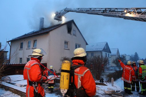 Drei Verletzte nach Dachstuhlbrand