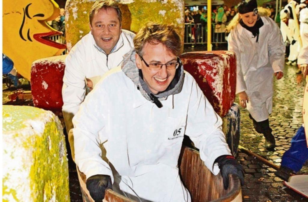 Bürgermeister Michael Föll und Marcus Christen sind ein eingespieltes Team beim Kübelesrennen. Foto: Lichtgut/Jan Reich