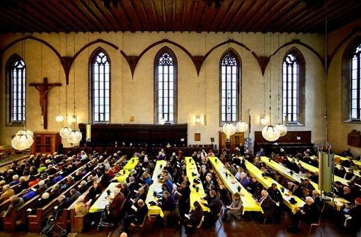 Die Vesperkirche ist auch ein Versuch, mit sozial schwächeren Menschen auf Augenhöhe zu verkehren. Gerade diese Gruppe hat aber oft keine Beziehung zur Kirche. Foto: Heinz Heiss