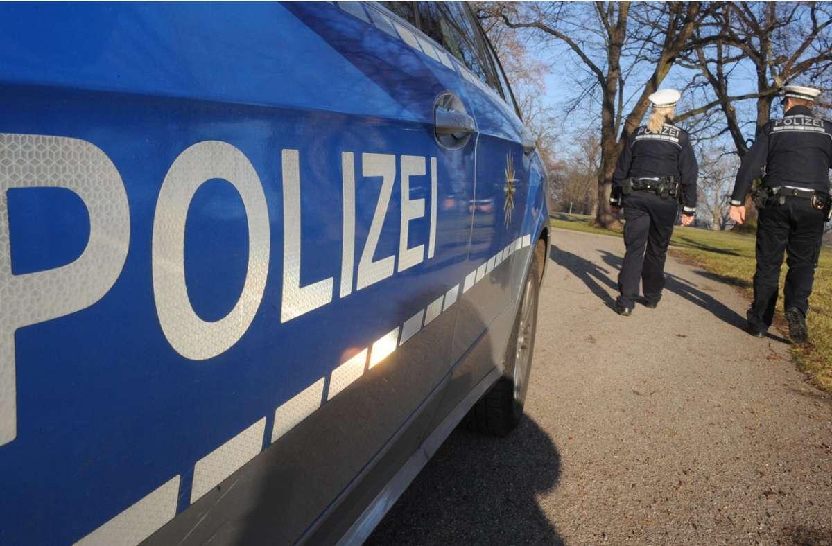 Polizisten hatten es in Oberstdorf mit einem renitenten 18-Jährigen zu tun. (Symbolbild) Foto: dpa/Franziska Kraufmann