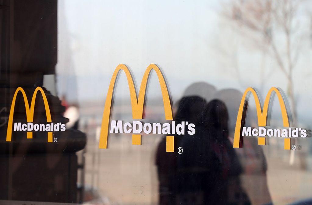 Die Fastfoodkette McDonalds hat nach eigenen Angaben Strafanzeige gegen Schlachthofbetreiber gestellt. Foto: Getty
