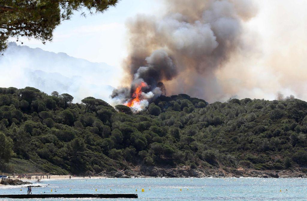 Auch in La Croix-Valmer, unweit von Saint-Tropez, brennt der Wald. Foto: AFP
