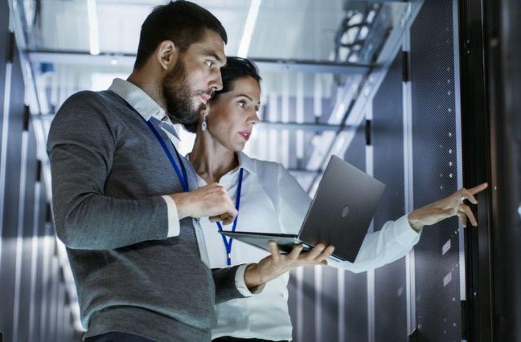 IT-Experten sind schwer gefragt.  Foto: Gorodenkoff/Fotolia