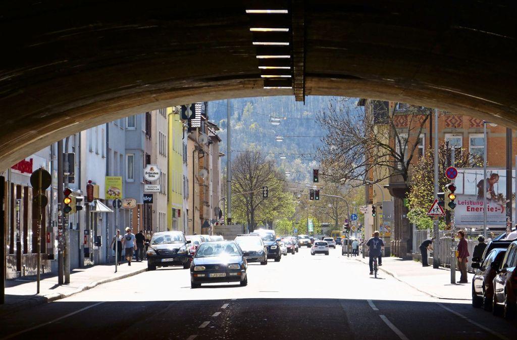 Die Situation der Passanten und Radfahrer in der Daimlerstraße muss  verbessert werden. Foto: Uli Nagel