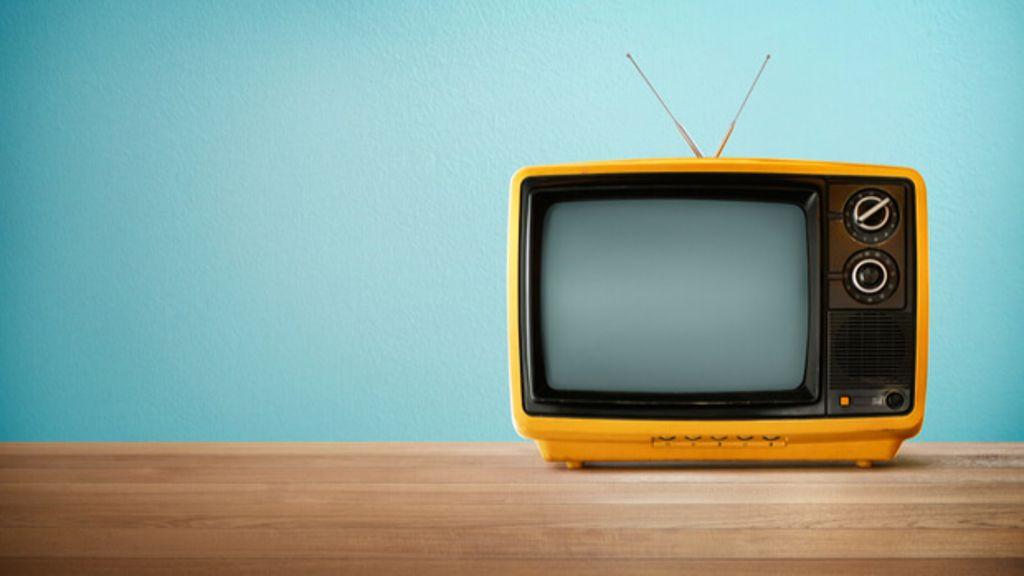 Erfahren Sie, was das Fernsehen mit Ihnen macht und was sich verändert, wenn Sie ab heute auf den TV verzichten. Foto: jamesteohart / Shutterstock.com