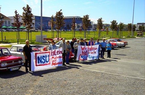 Die drei Buchstaben NSU stehen für schöne Fahrzeuge – das haben die Mitglieder des Prinz Club Schwaben bei ihrer Demonstration in Böblingen betont. Foto: StZ