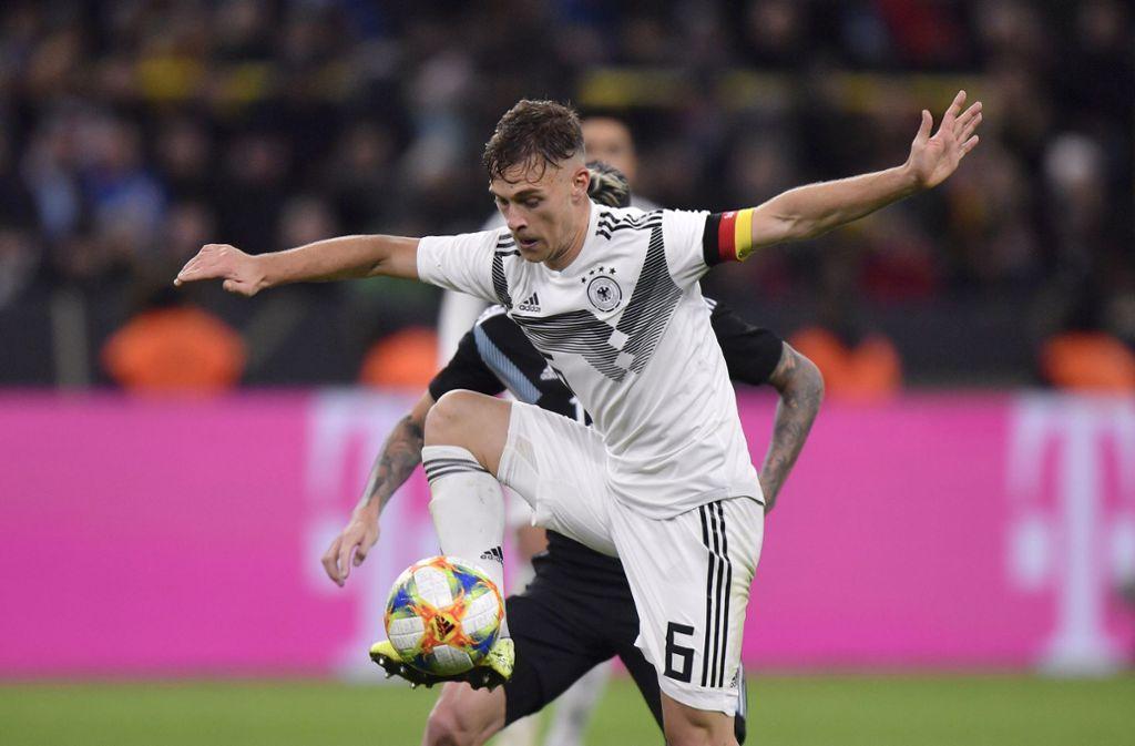 Joshua Kimmich trug gegen Argentinien erstmals von Beginn an die Kapitänsbinde. Foto: AP/Martin Meissner