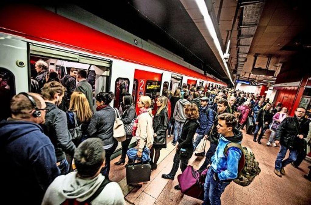 Erfolg trotz Verspätungen: immer mehr Fahrgäste nutzen die S-Bahn. Foto: Lichtgut/Leif Piechowski