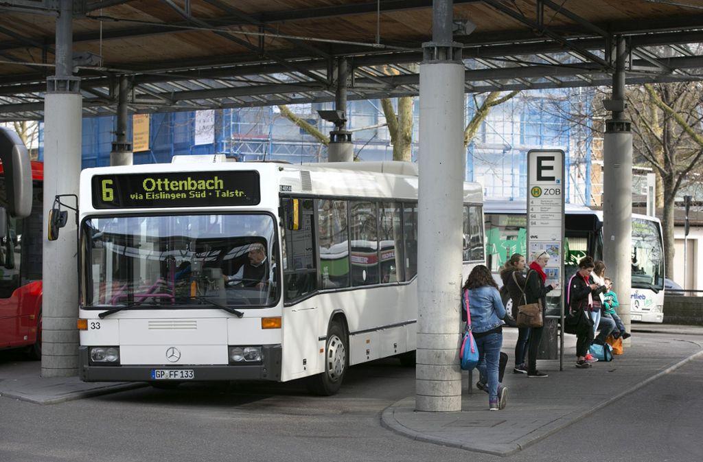 Der Busbahnhof in Göppingen – aufgrund von Streik muss man sich hier auf eingeschränkten Busverkehr einstellen. Foto: Horst Rudel