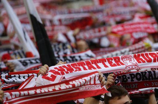 VfB Stuttgart veranstaltet Public Viewing in der Mercedes-Benz Arena