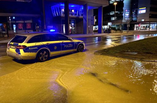 Straße bleibt nach Überflutung wohl lange gesperrt