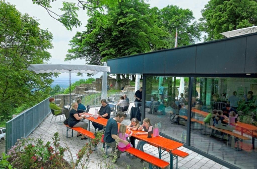 Wo früher nur eine Schutzhütte stand, werden die Gäste jetzt professionell bedient. Foto: Horst Rudel