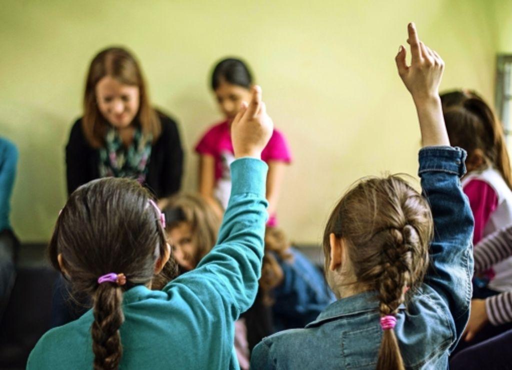 Deutsch lernen ist für Kinder aus dem Ausland ein wichtiges erstes Ziel. Foto: dpa
