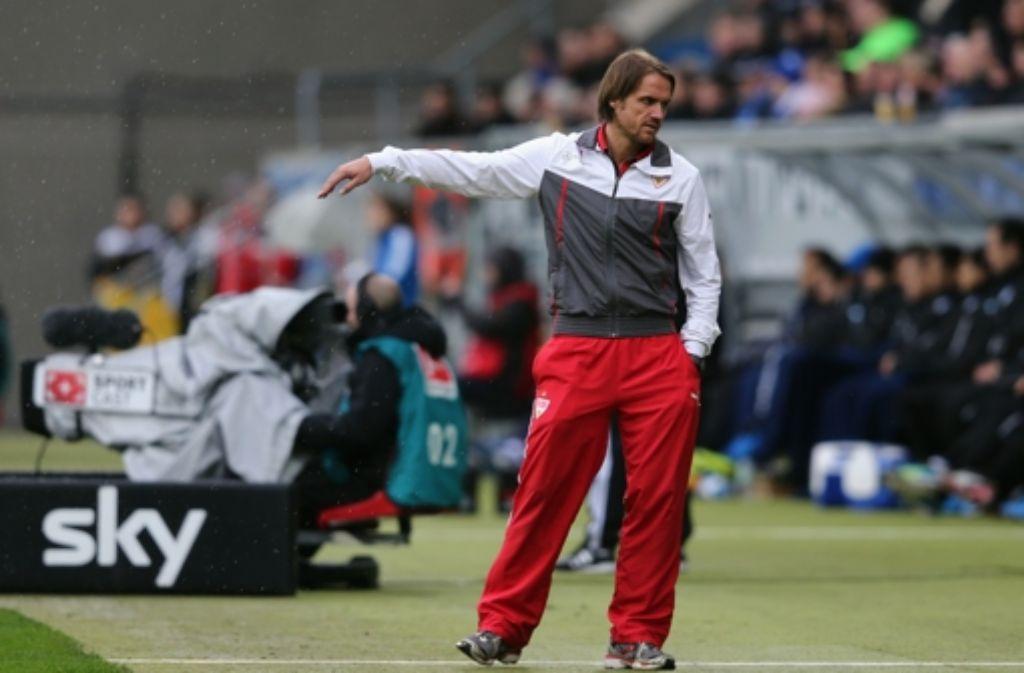 VfB-Coach Thomas Schneider steht laut Sportdirektor Fredi Bobic derzeit nicht zur Diskussion. Foto: Bongarts