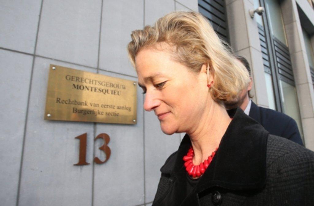 Ist sie eine Königstochter? Delphine Boël auf dem Weg in den Gerichtssaal. Foto: dpa