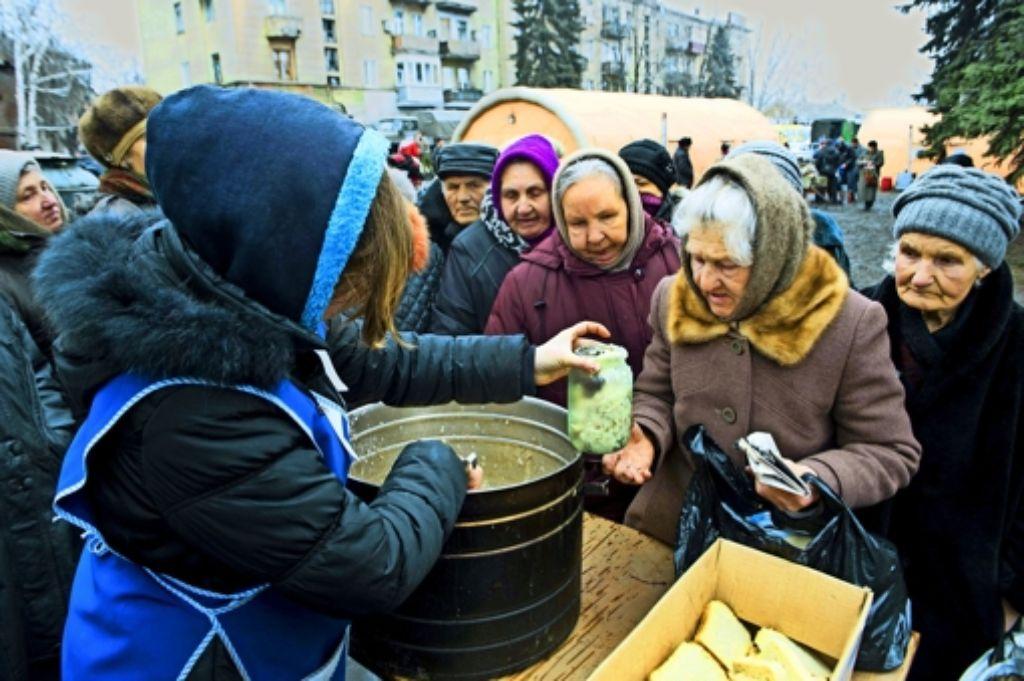 Nicht nur die Menschen in der von Separatisten eingenommenen Stadt Debalzewe leiden. Die Ukraine  muss wieder aufgebaut werden. Dafür wird sehr viel Geld benötigt. Foto: AFP