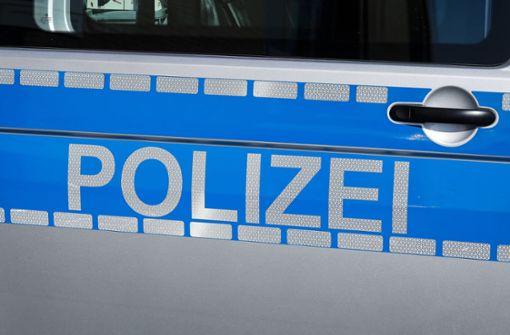 66-Jähriger attackiert Nachbarn mit einer Axt und verletzt ihn
