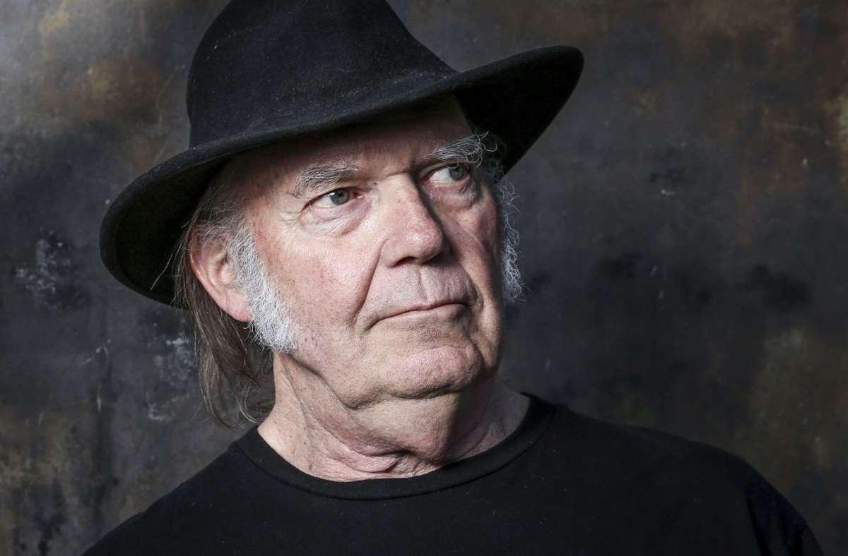 Kämpferischer Rockmusiker: Neil Young Foto: AP/Rich Fury