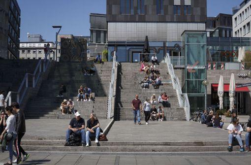 Kann die Stadt die Schlossplatztreppen sperren?