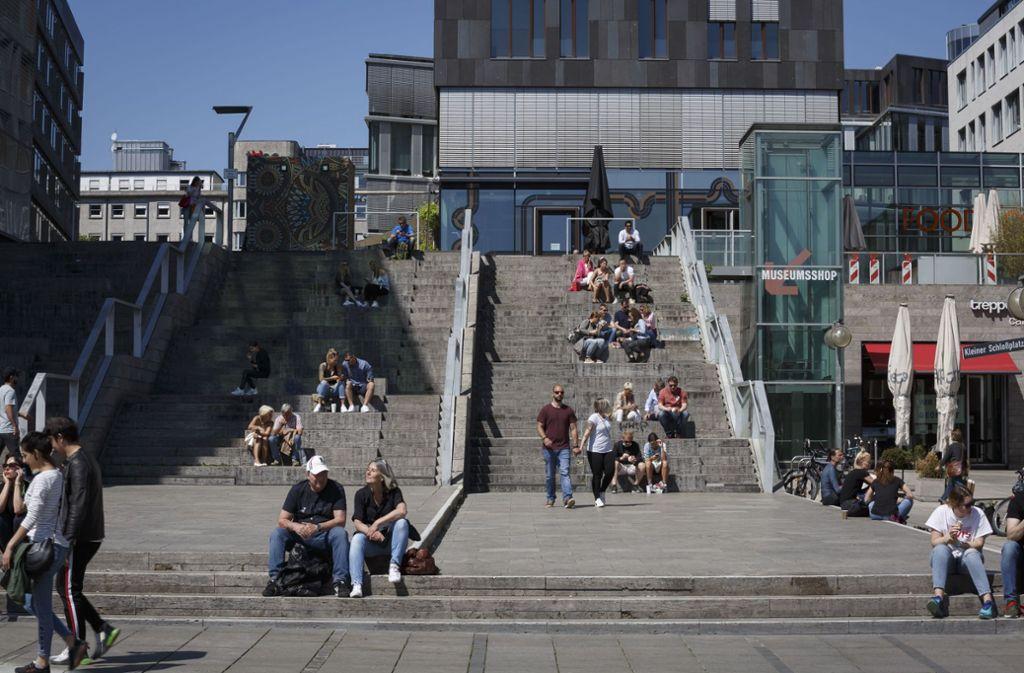Die Treppe am Schlossplatz darf nicht zu voll werden. Foto: Lichtgut/Julian Rettig (Symbolfoto)