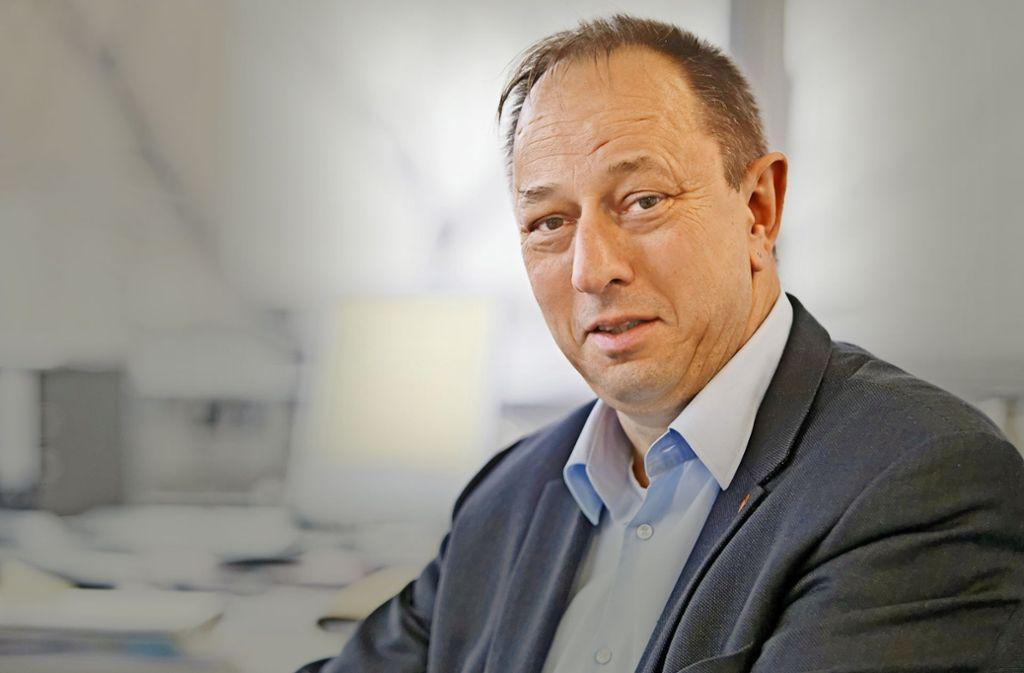 Wolfgang Nieke, der Betriebsratschef im Motorenwerk in Untertürkheim, stellt bei den Daimler-Beschäftigten eine zunehmende Verunsicherung fest. Foto: Daimler