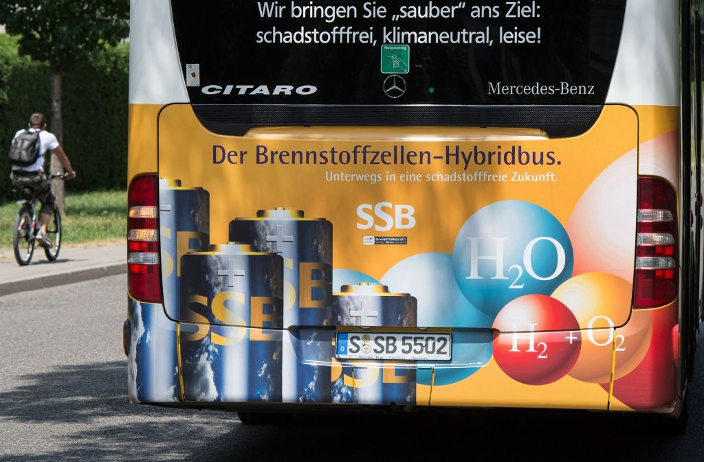 Vielleicht fahren bald noch mehr Brennstoffzellen-Hybridbusse durch Stuttgarts Straßen. Foto: dpa
