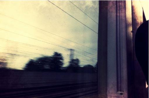 Eine Zugfahrt ist nicht lustig. Foto: Stefanie Ren
