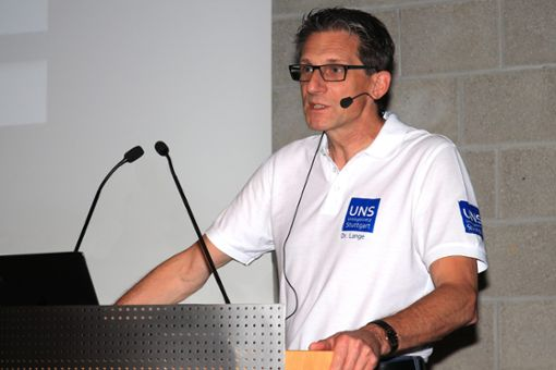Dr. med. Holger Lange übernimmt beim 9. Urologischen Gesundheitstag in der Volkshochschule Stuttgart, im Treffpunkt am Rotebühlplatz, zusammen mit Oliver Gimber die Moderation.