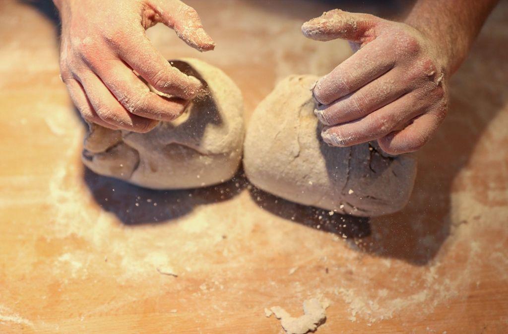 Im Bäckerhandwerk ist der Meisterbrief für Selbstständige Pflicht. Foto: dpa