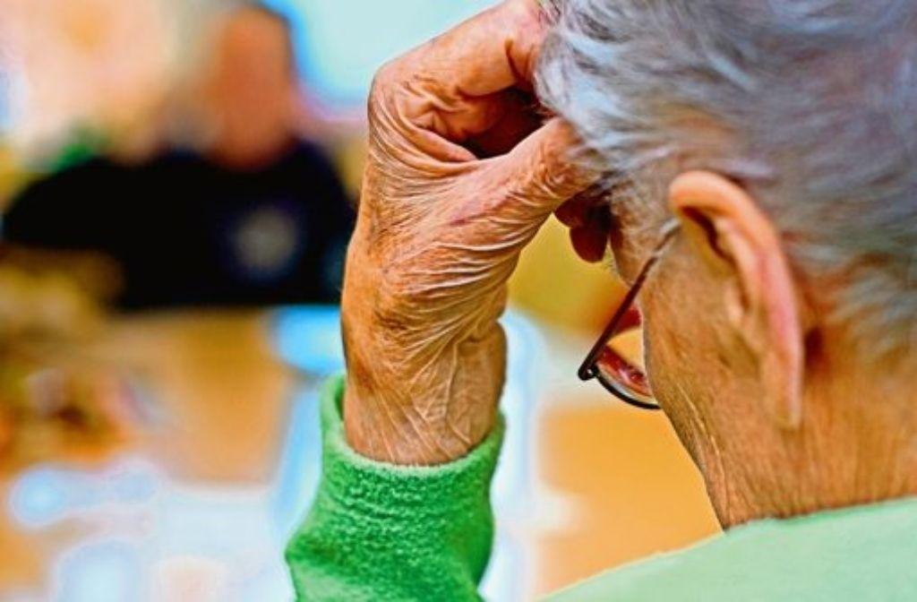 Ein Leben ohne Freude – so stellen sich viele fälschlicherweise die Krankheit Demenz vor. Foto: dpa