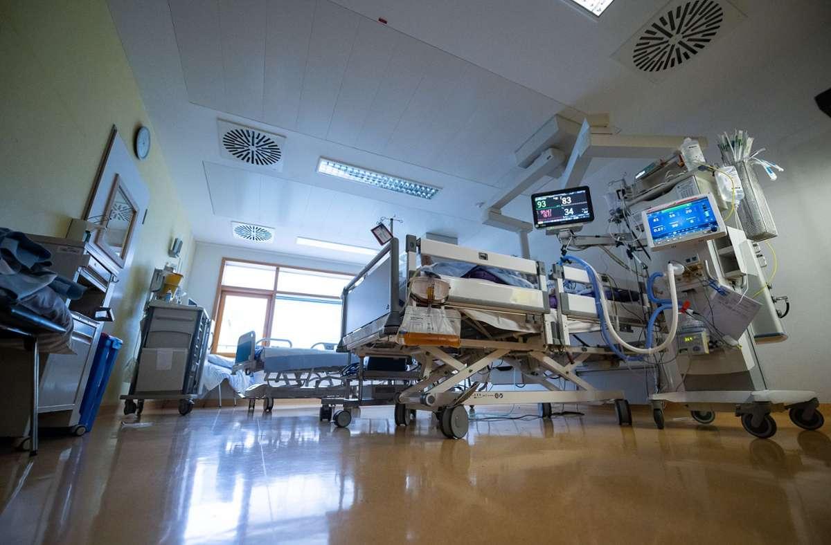 199 Covid-Patienten werden auf Intensivstationen behandelt - das sind sechs mehr als am Mittwoch (Symbolbild). Foto: dpa/Sebastian Gollnow