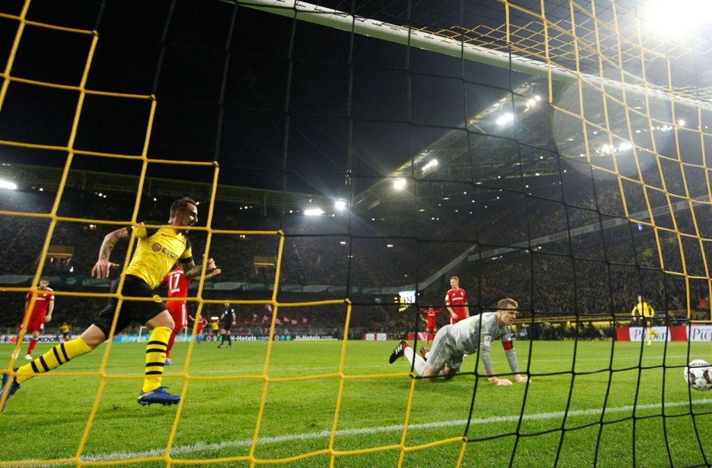 Das bislang letzte Aufeinandertreffen zwischen Borussia Dortmund und dem FC Bayern gewann der BVB in der Hinrunde dieser Saison. Foto: dpa