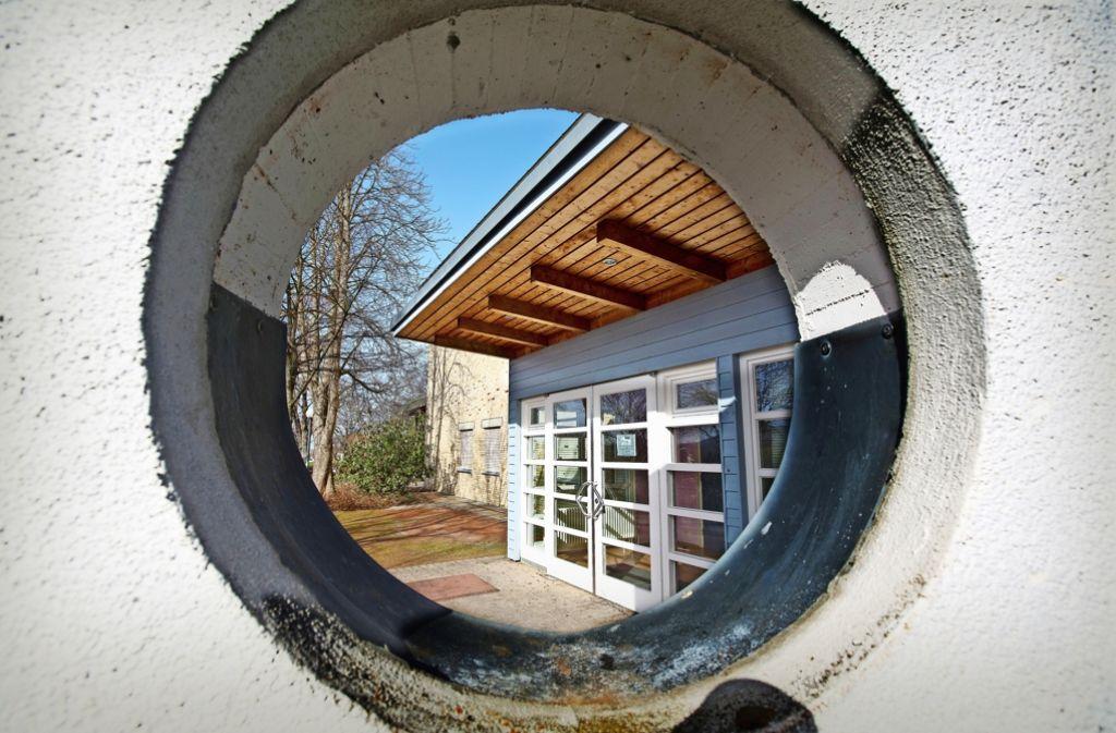 Verwaltung und Gemeinderat schauen in die Röhre. Die Limburghalle (Bild) wird nicht durch einen Neubau in der Innenstadt ersetzt. Foto: Horst Rudel