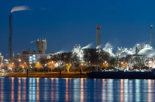 Chemikalie aus BASF-Stammwerk in den Rhein ausgelaufen