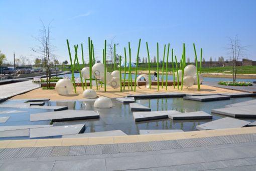 Die Bundesgartenschau in Heilbronn - hier der Wasserballpark - ist ein lohnendes Etappenziel.
