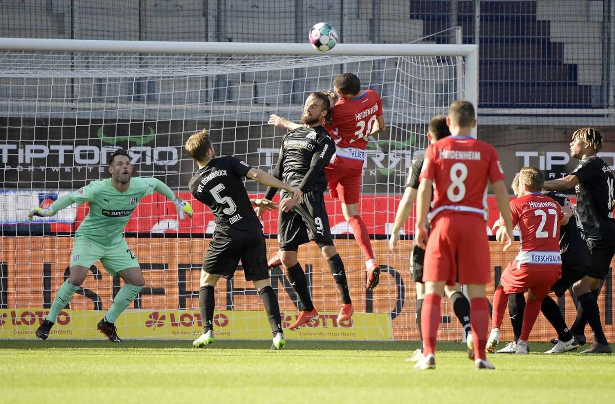 Das Spiel gegen den VfL Osnabrück stand wegen des Testergebnisses kurzzeitig auf der Kippe. Foto: imago images/Jan Huebner/Eduard Martin