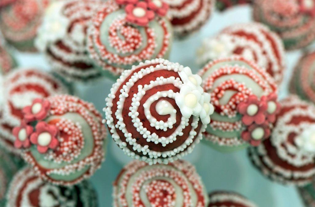 Lecker, aber ungesund: Süßigkeiten wie Cake-Pops schaden in zu großen Mengen der Gesundheit. Foto: dpa-Zentralbild