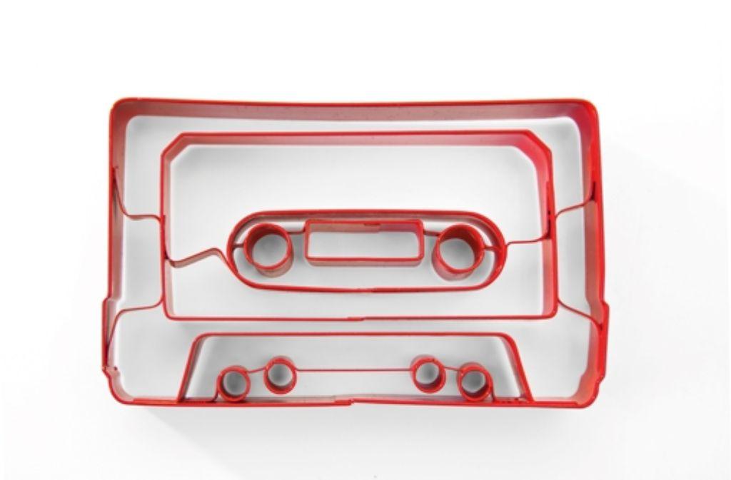 Nicht nur als Ausstecherle-Form, sondern auch ganz klassisch als Medium für Musik ist die Musikkassette in letzter Zeit wieder gefragt. Foto: Cookie Cutter