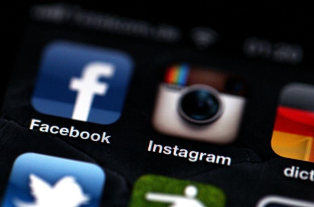 Auf Instagram haben zwei Teenager Gleichaltrige beleidigt und beschimpft. Foto: dpa