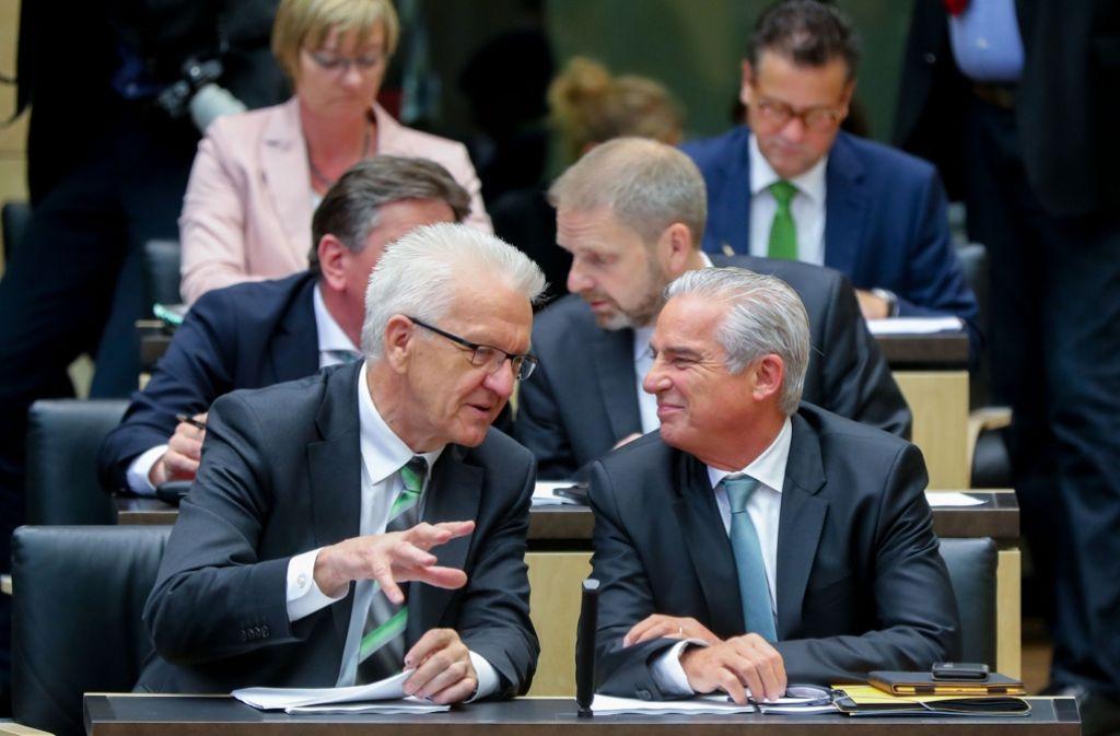 Ministerpräsident Winfried Kretschmann hat die Neuschaffung von 98 Stellen in den Ministerien der grün-schwarzen Koalition verteidigt. Foto: dpa
