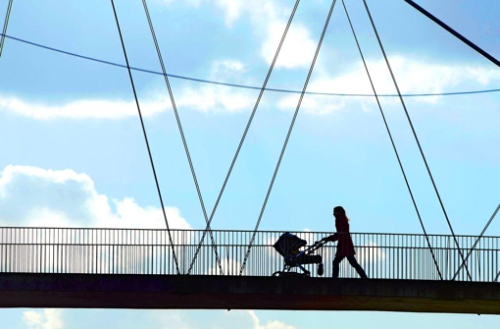 Alleinerziehende geraten viel häufiger in soziale Nöte als Elternpaare. Foto: dpa