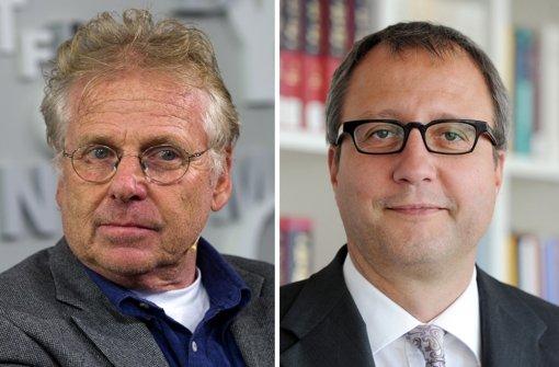 Gerichtspräsident Andreas Voßkuhle (r.) hat auf einen Festvortrag während der Verleihung des Theodor-Heuss-Preises 2013 an Daniel Cohn-Bendit verzichtet. Foto: dpa