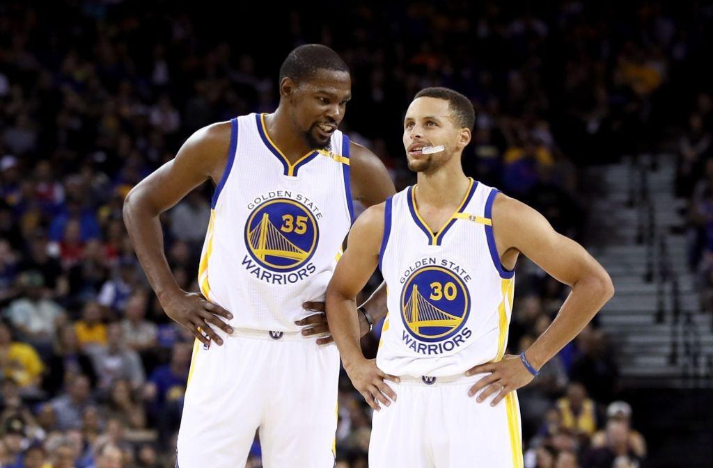 Superstars unter sich: Kevin Durant (links) und Steph Curry Foto: Getty
