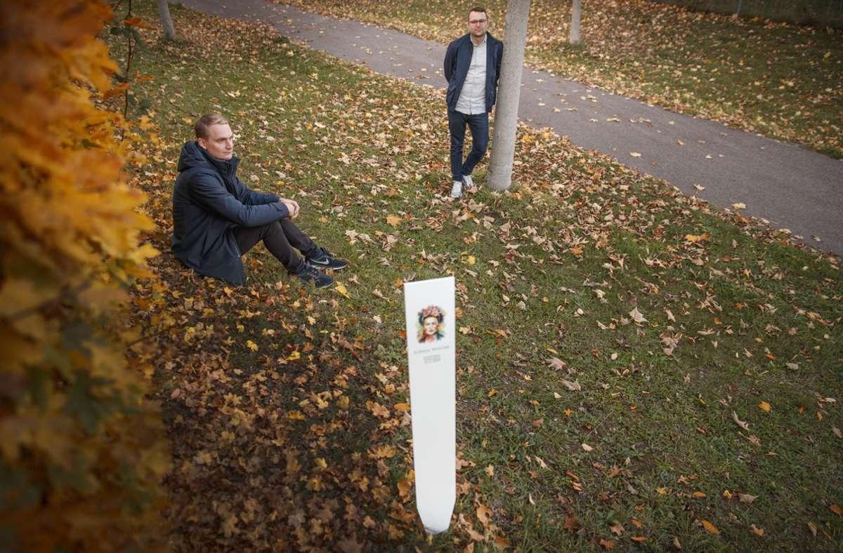 Stephan (links) und Simon Weber wollen die Trauer- und Grabkultur an die heutige Gesellschaft anpassen. Foto: Stoppel