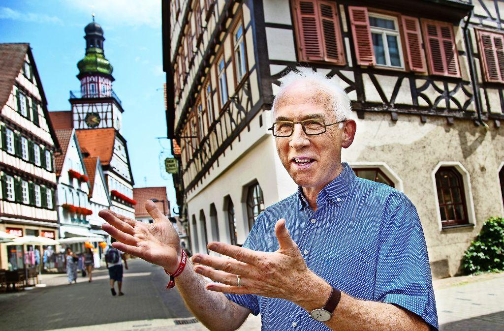 Der Rathausturm in Kirchheim ist ein Herzensort für Heinrich Brinker. Foto: Ines Rudel