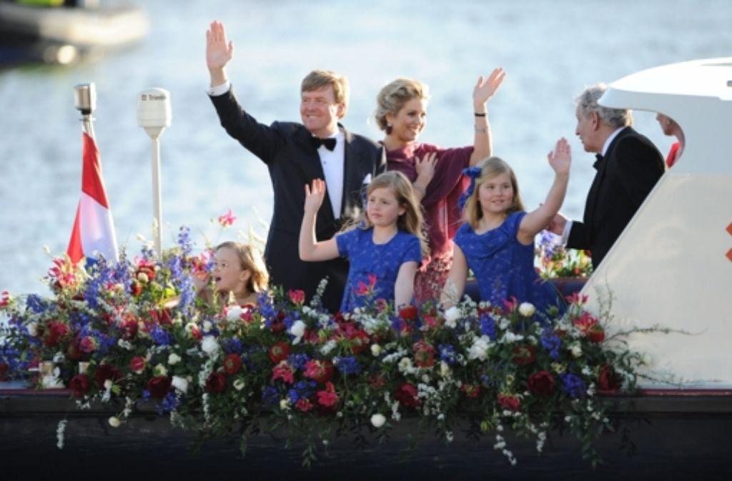 Die Königsfamilie beim Defilee auf dem Wasser. Foto: ANP