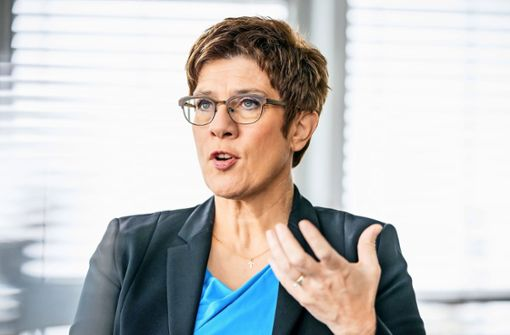 """Kramp-Karrenbauer soll """"Megapanne"""" um Sturmgewehr aufklären"""