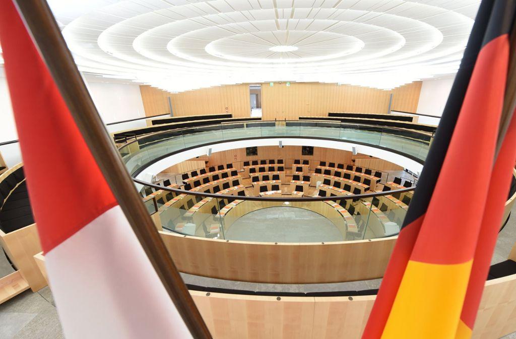 Die amtierende schwarz-grüne Landesregierung könnte nach der Umfrage auf eine Neuauflage hoffen. Foto: dpa