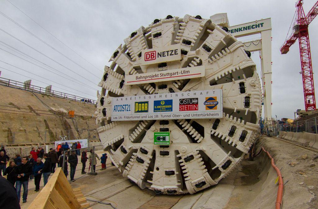 Diese Bohrmaschine gräbt den 9,5 Kilometer langen Tunnel zwischen dem Hauptbahnhof und  der 155 Meter höher gelegenen Filderebene. Foto: LG/Julian Rettig