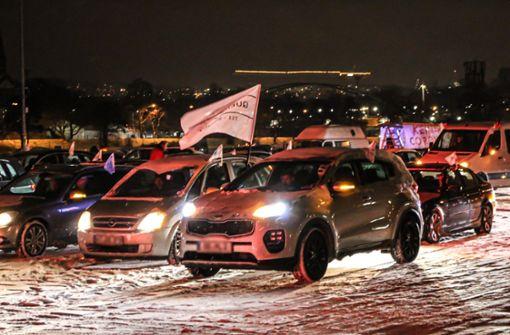 40 Glätteunfälle in der Nacht – Autokorso behindert Verkehr